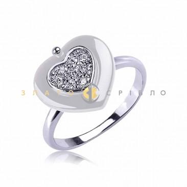 Серебряное кольцо «Спеши любить» с белой керамикой