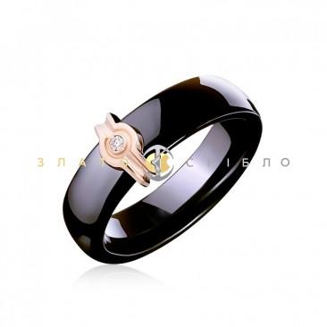 Керамическое кольцо «Наоми Black» с бриллиантом и накладкой из красного золота