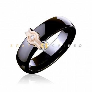 Керамічна каблучка «Наомі Black» з діамантом та накладкою з червоного золота
